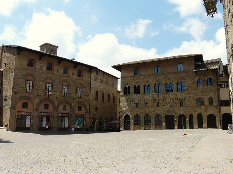 Volterra-BlogTravelsitter-piazzadeipriori
